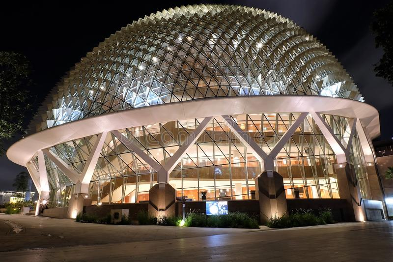 Théâtres d'†d'esplanade de Sinapore «sur la vue de nuit de baie photos libres de droits