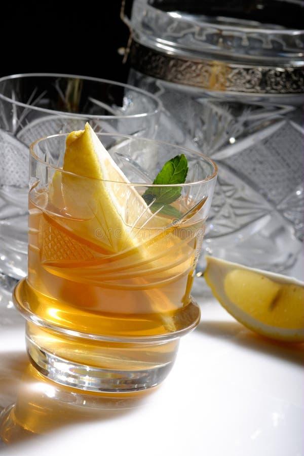 Thé avec le rhum photographie stock libre de droits