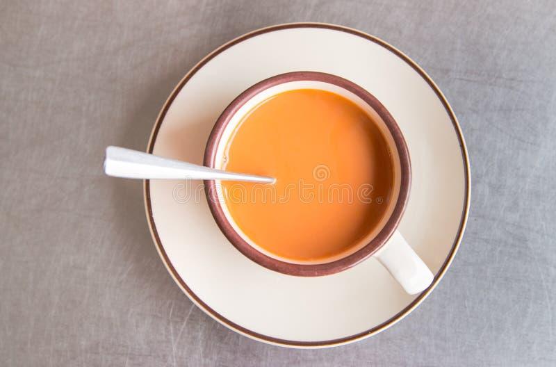 Thé chaud de lait photos libres de droits