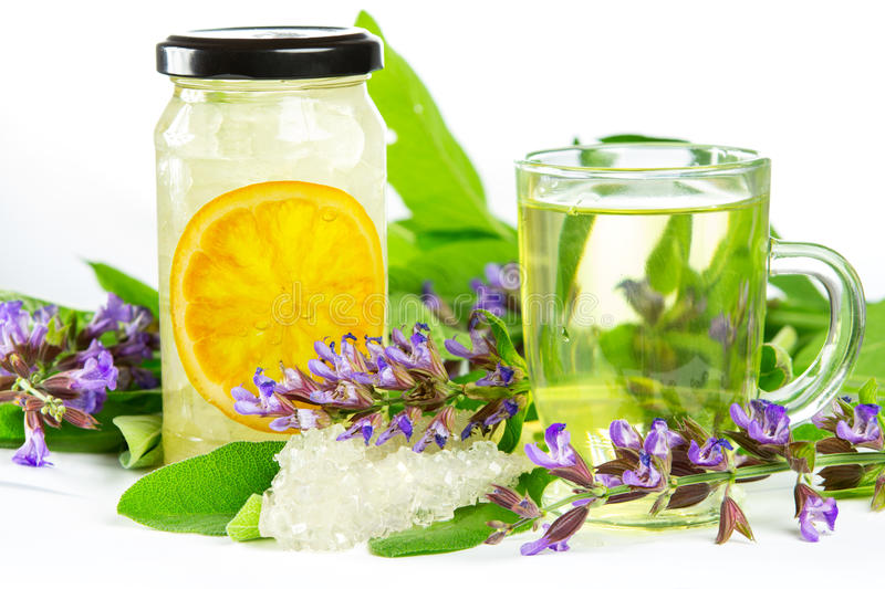 Thé de fines herbes et naturopathy doux photo stock