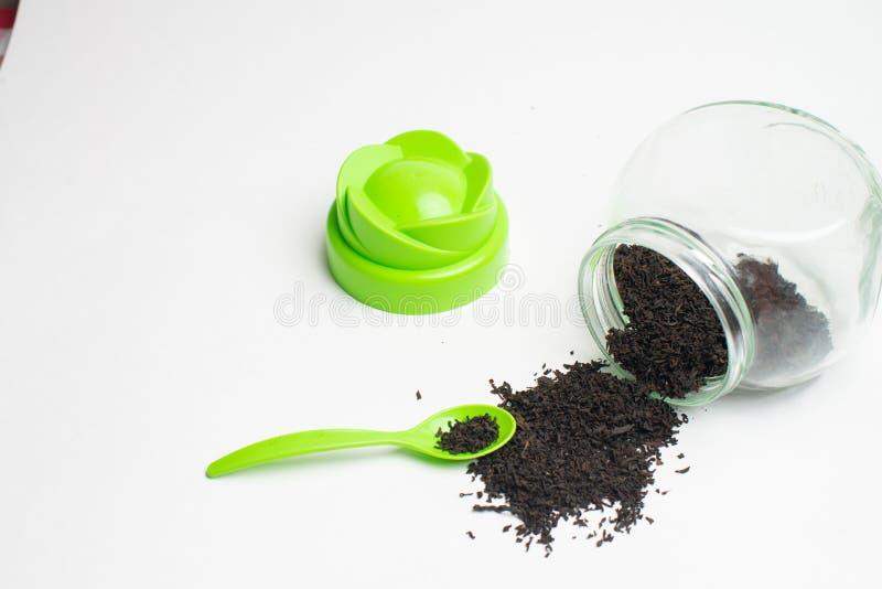 Thé pour la santé, feuilles de thé sèches naturelles, photo stock