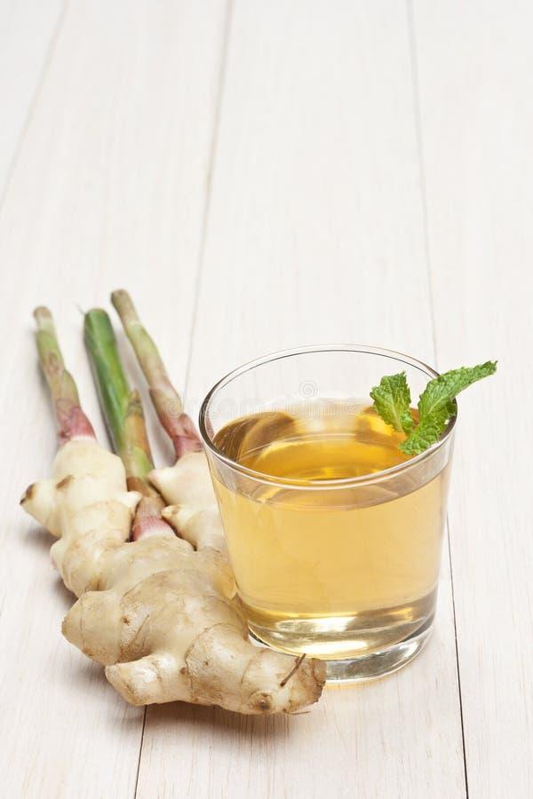 Thé sain de gingembre photo stock
