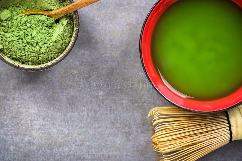 Thé vert de Praparing Matcha images libres de droits