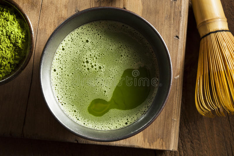Thé vert organique de Matcha photographie stock libre de droits