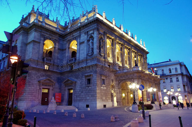 Théatre de l'opéra d'état hongrois à Budapest photos stock