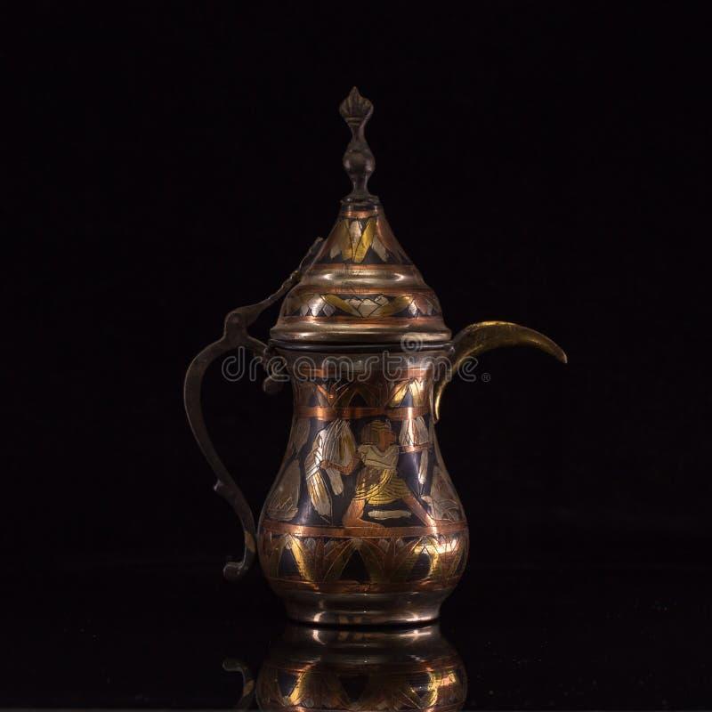Théière arabe image stock