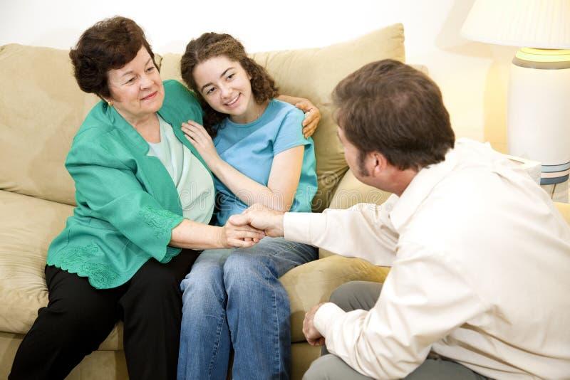 Thérapie de famille - résultats positifs photographie stock libre de droits