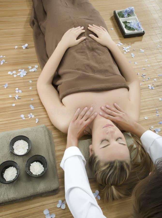 Thérapie de massage photos stock