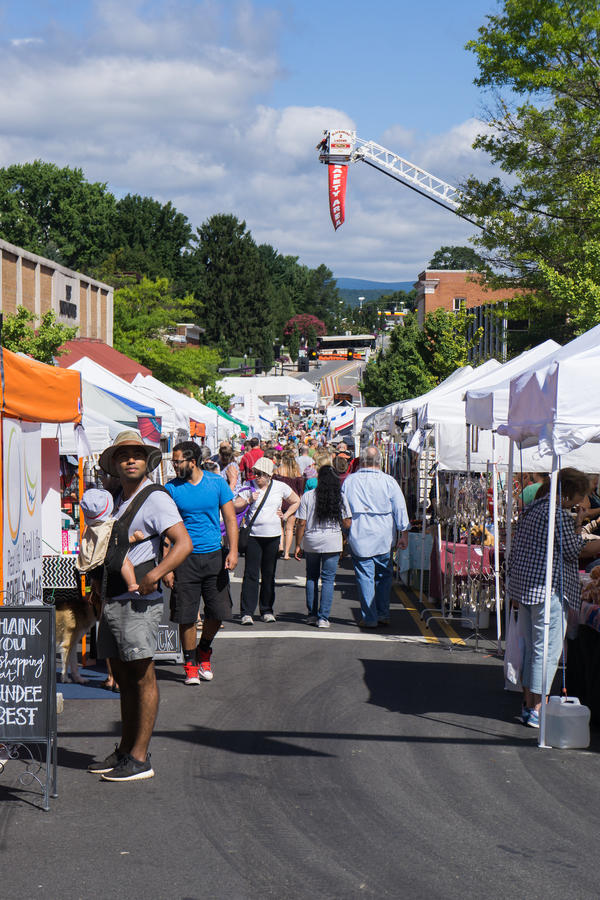 36th Annual Steppin'Out Festival. Blacksburg, VA – August 5th: A View of the 36th Annual Steppin' Out Festival with over 300 crafters royalty free stock images