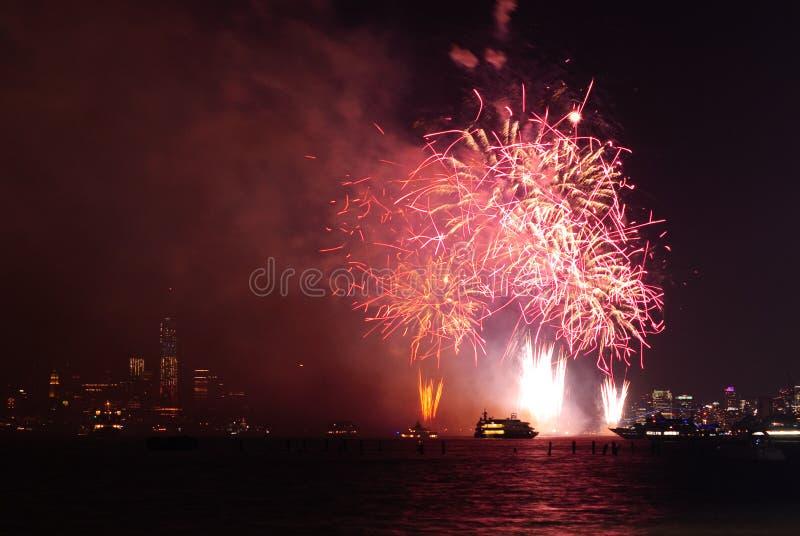 4th av Juli fyrverkerier i New York arkivfoton
