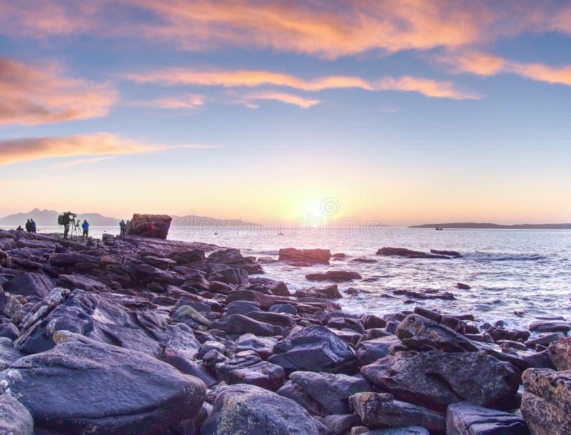 7th Februari 2017, ö av Skye, Skottland Fotograftagandekurs i solnedgångseminarium royaltyfri bild