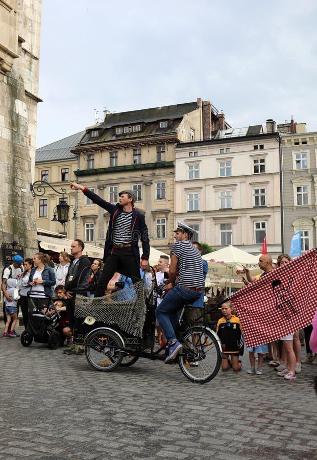 30th gata - internationell festival av gatateatrar i Cracow, Polen arkivbild