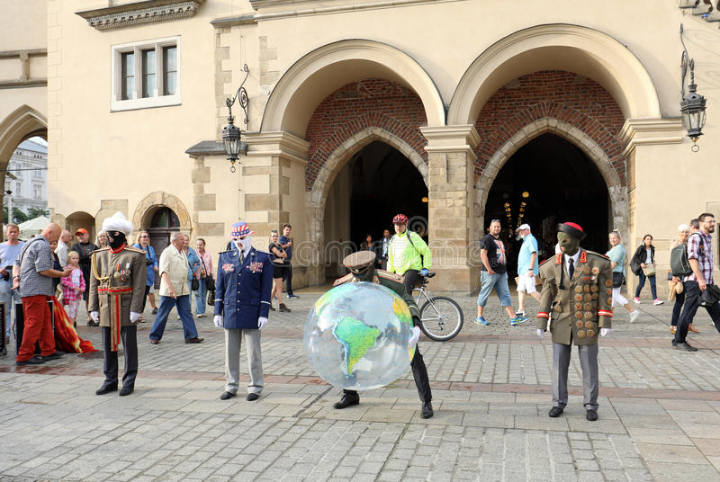 30th gata - internationell festival av gatateatrar i Cracow, Polen royaltyfri bild