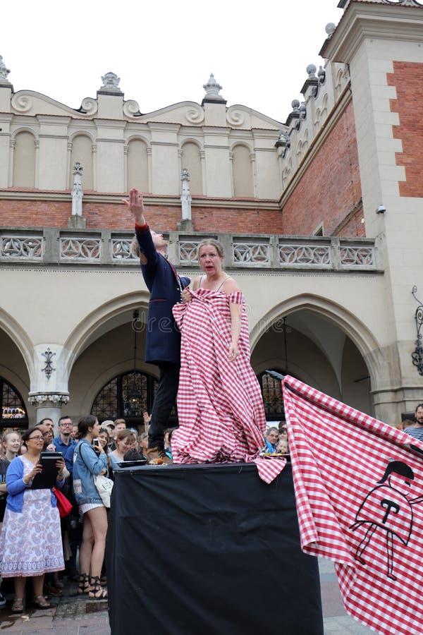 30th gata - internationell festival av gatateatrar i Cracow, Polen arkivfoto