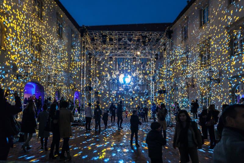 16th marknad 2018 Zagreb Kroatien—festival av ljus i Zagreb fotografering för bildbyråer