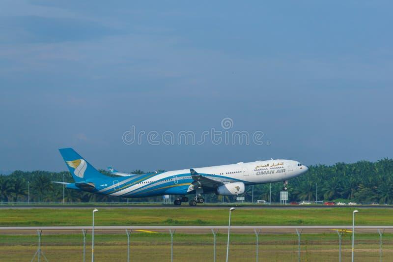 14th 2018 Nov, Kuala Lumpur, Oman linii lotniczej samolot zdjęcie stock