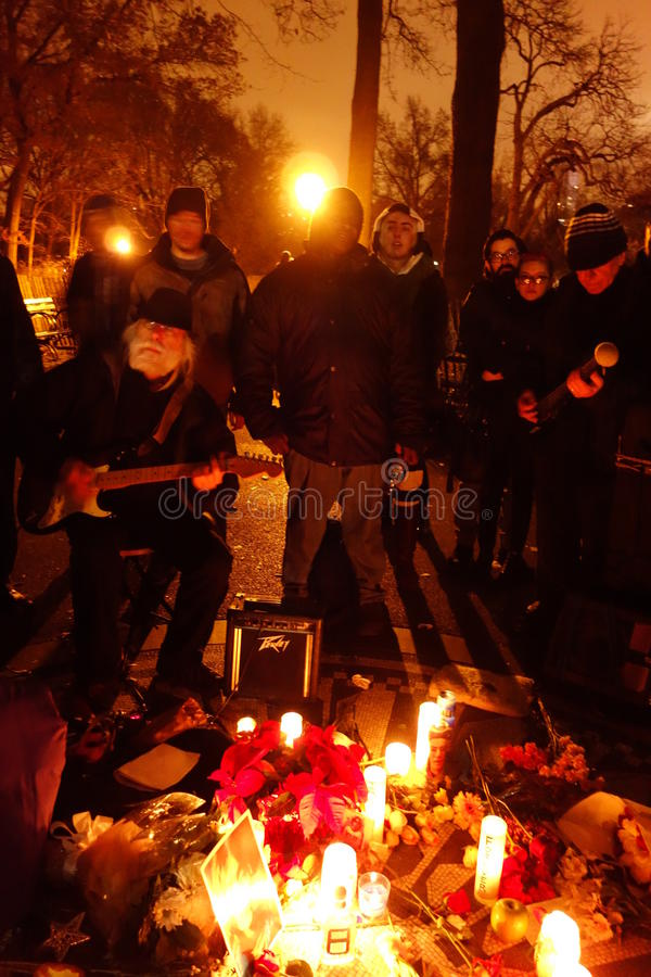 34th rocznica John Lennon śmierć Przy Strawberry Fields 14 fotografia royalty free