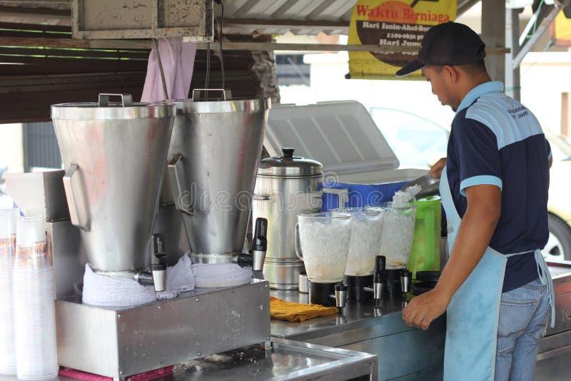 27th September 2016, Malacca, Malaysia Den Klebang kokosnötskakan var den varmmaste drinken i melaka nuförtiden, och detta lager  royaltyfri bild