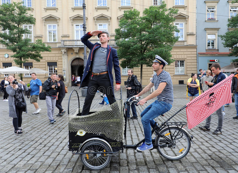 30th ulica - Międzynarodowy festiwal Uliczni teatry w Krakowskim, Polska zdjęcia royalty free