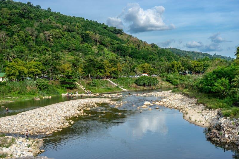 Tha di Canal en el pueblo de Kiriwong foto de archivo