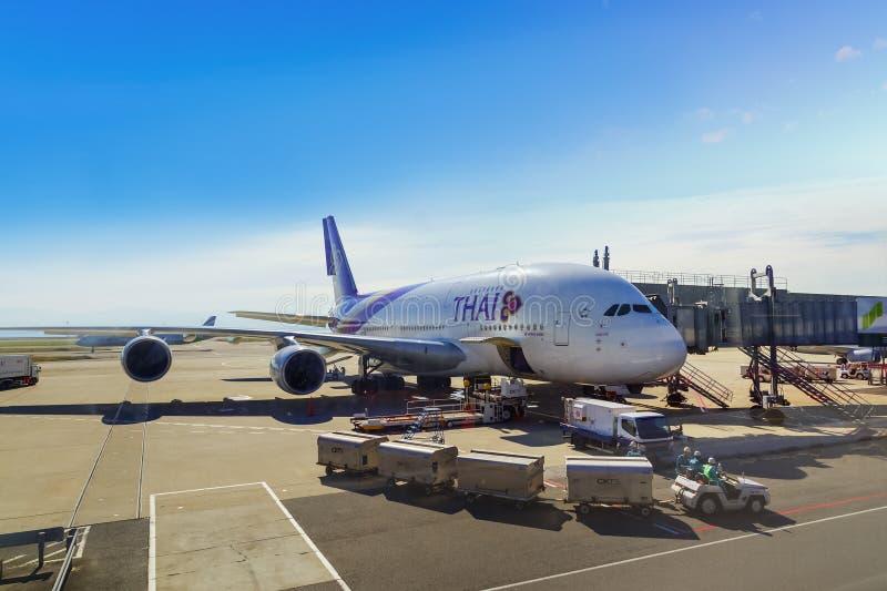 Thai Airways i Osaka, Japan arkivbilder
