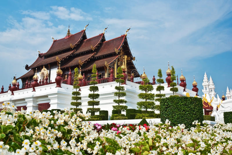 thai arkitektonisk stil arkivbild