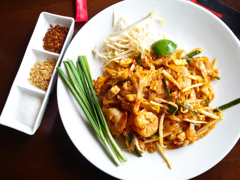 Thai food, stir-fried rice noodles royalty free stock photography