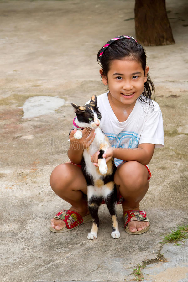 Download Thai Girl With A Cat In Koh Kho Khao Editorial Photo - Image: 28272571