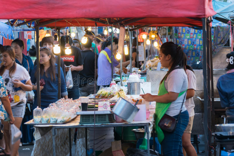 thai matgata fotografering för bildbyråer