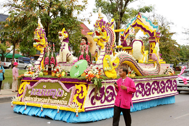 Thai people on the parade in ChiangMai Flower Festival 2013. CHIANGMAI, THAILAND - FEBRUARY 2-2013 : Unidentified Thai people on the parade in ChiangMai Flower royalty free stock photography