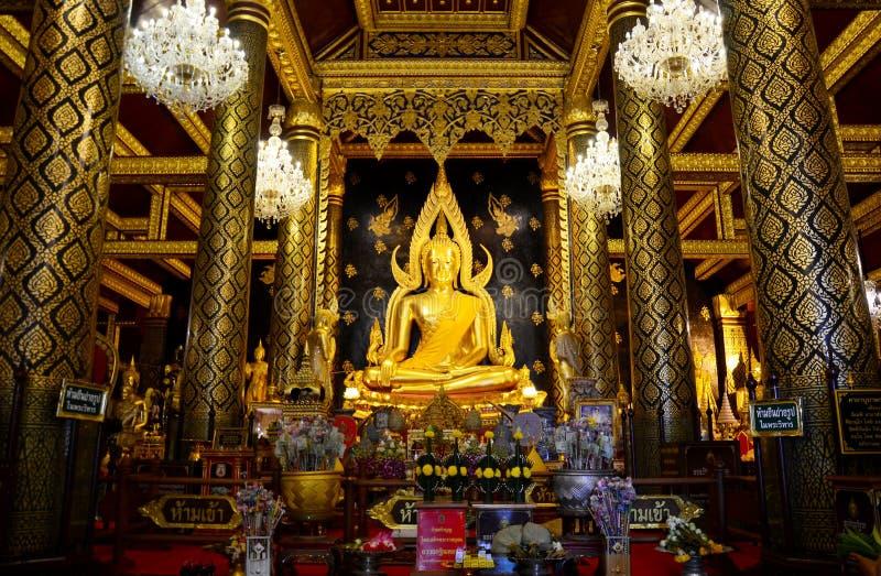 Thai people praying Buddha statue name Phra phuttha chinnarat at. Wat Phra Sri Rattana Mahathat on August 28, 2015 in Phitsanulok, Thailand stock photography