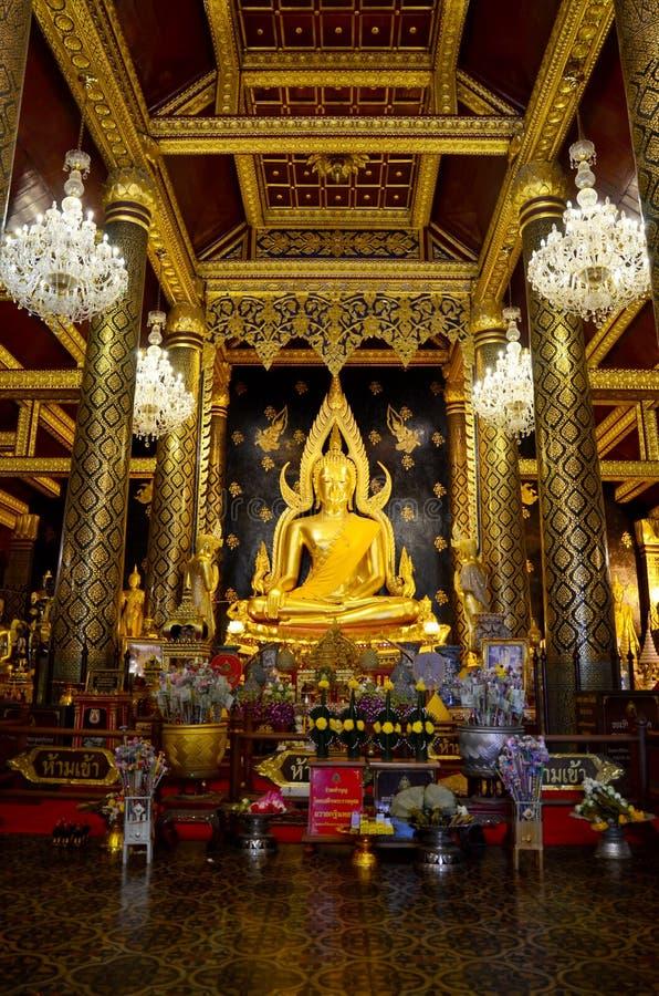 Thai people praying Buddha statue name Phra phuttha chinnarat at. Wat Phra Sri Rattana Mahathat on August 28, 2015 in Phitsanulok, Thailand royalty free stock photos