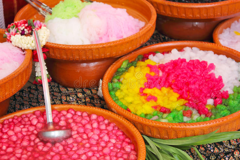 thai variationer för färgrik efterrätt arkivbild