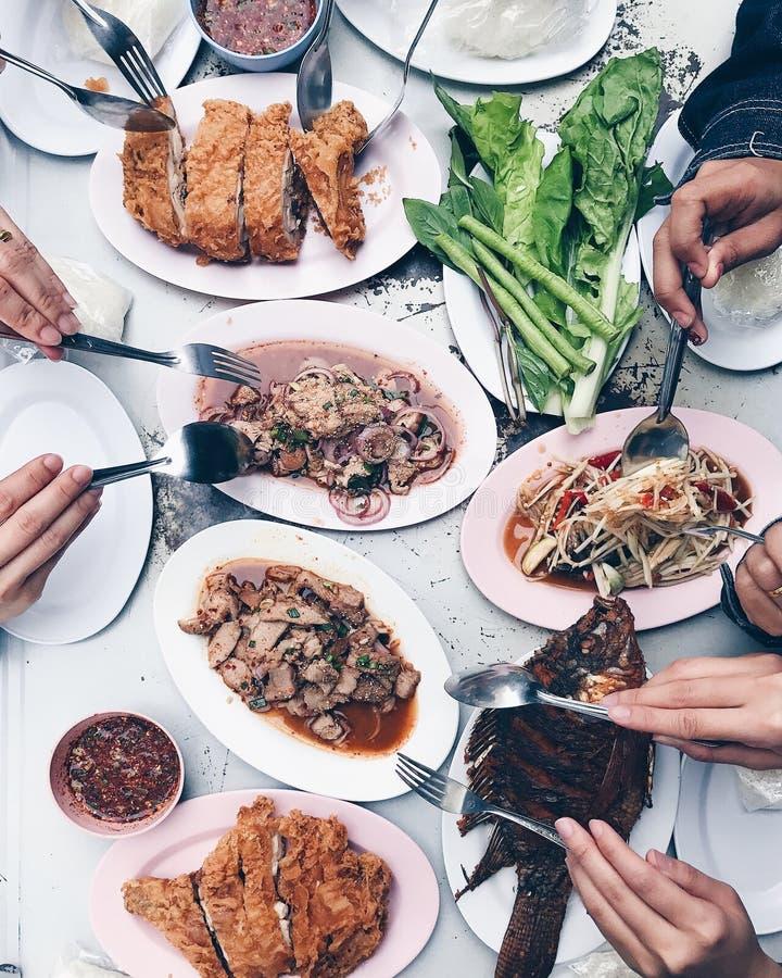 Thaifood y picante calientes con el amigo foto de archivo libre de regalías