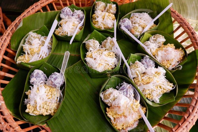 Thailändische Nachtische mit Kokosnuss lizenzfreie stockfotos