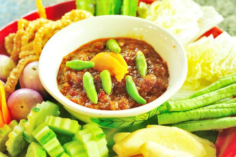 Thailändische Nahrung, würzige Befestigungsklammereipaste stockbild
