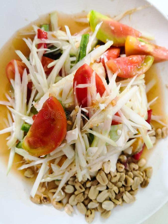 Thailändischer Artpapayasalat geschmackvoll stockfoto