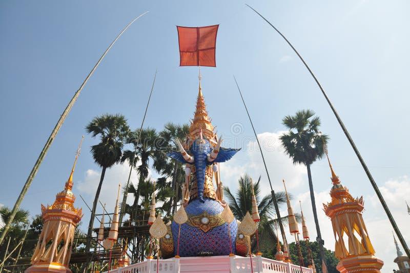 Thailändischer Mönch-Crematory-Elefant lizenzfreies stockbild