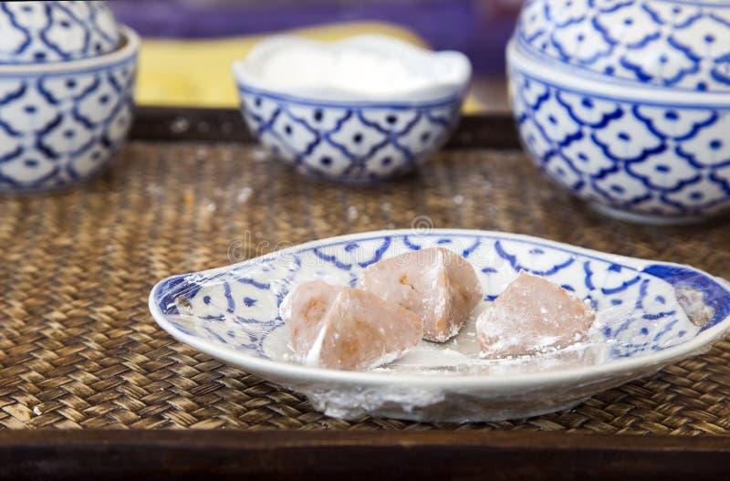 Thailändischer Nachtisch der alten Tradition mit Weinleselebensstil stockbild