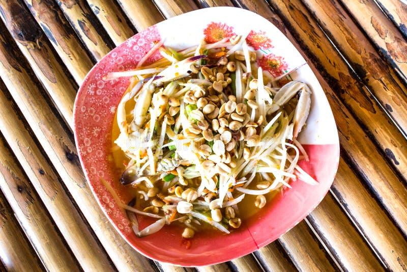 Thailändischer Papayasalat heiß stockfoto