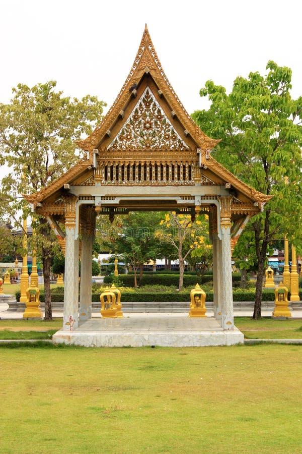 Thailändischer Pavillon, Wat Sothornwararamworaviharn, Chachoengsao Thailand lizenzfreies stockbild