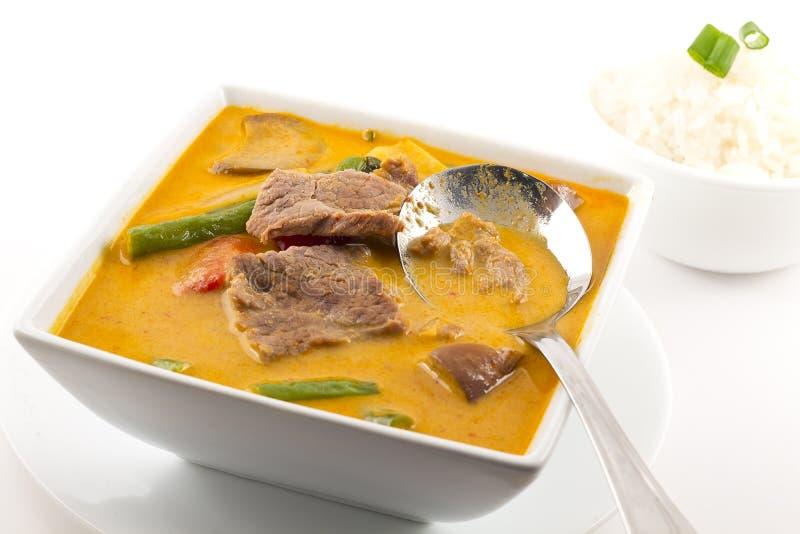 Thailändischer roter Curry mit Rindfleisch lizenzfreie stockbilder