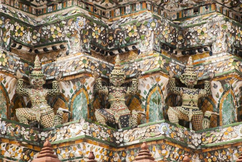 Thailändischer Skulpturwächterriese lizenzfreie stockfotos