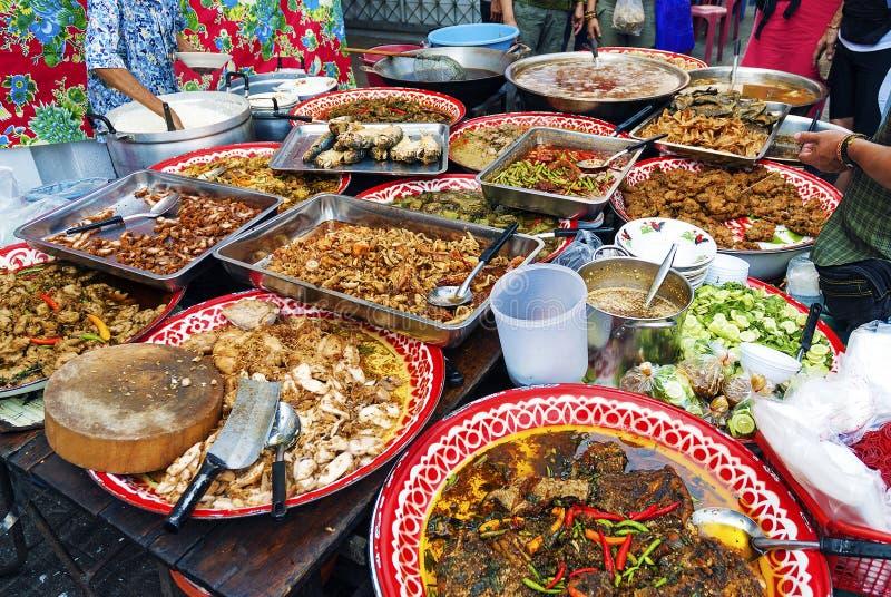 Thailändischer Straßenlebensmittelstall in Bangkok Thailand stockfoto