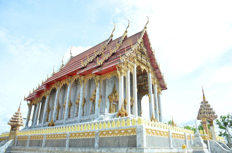 Thailändischer Tempel bei Samut Prakan stockfotografie