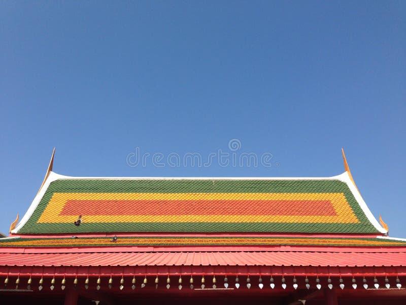 Thailändischer Tempel, Dachspitze stockbild