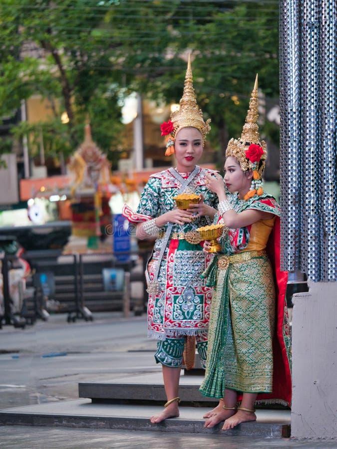 Thailändischer traditioneller Tanz und darstellende Künste lizenzfreies stockfoto