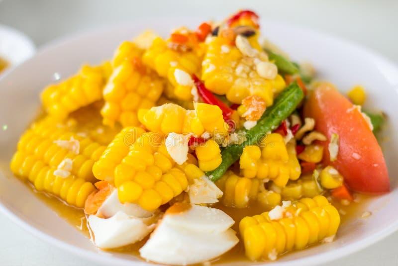 Thailändisches Lebensmittel, Feldsalat mit gesalzenem lizenzfreies stockbild
