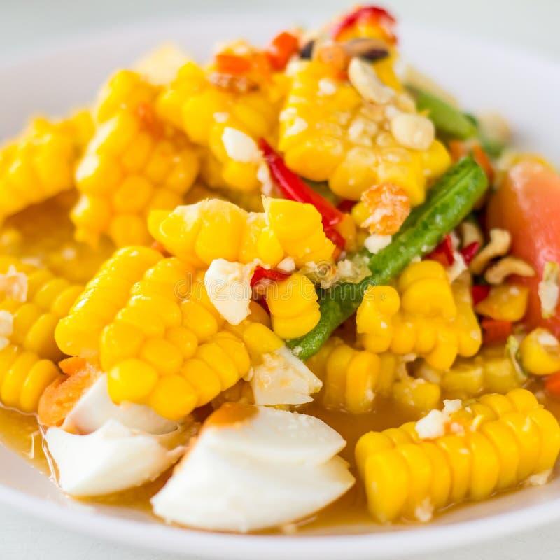 Thailändisches Lebensmittel, Feldsalat mit gesalzenem stockbilder