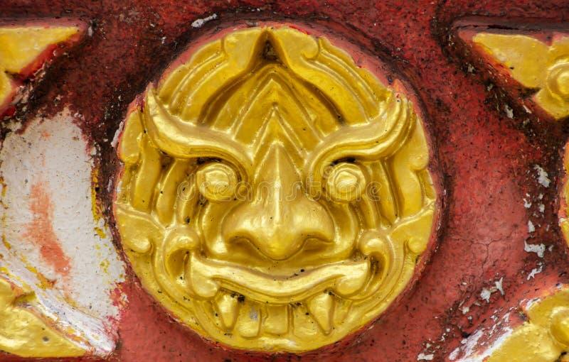 Thailändisches Muster ist eine riesige Form mit altem lizenzfreies stockbild